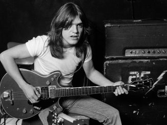 Malcolm Young je umrl 18.11.2017.