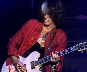Joe Perry se je odločil, da bo izdal solo album. (FOTO: Joe Perry Facebook)
